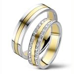 Bijzonder mooie geel/witgouden trouwringen- 30 diamanten