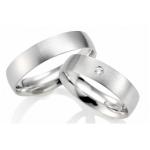 Witgouden klassieke trouwringen met een  diamant van 0.03ct