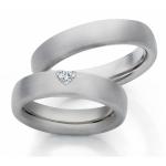Witgouden trouwringen in damesring mooie hartvormige diamant