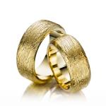 Geel gouden trouwringen-Safari collectie model Slang
