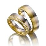 Tri-color trouwringen in wit, rood en geelgoud 27 diamanten
