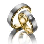 Trouwringen wit – geelgoud diamant 0.10ct princess slijpsel