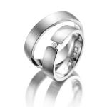 Trouwringen – semi spanzetting met een diamant van 0.04 ct