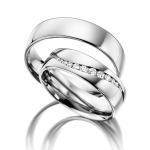 Acredo trouwringen met prachtige zetting van 13 diamanten
