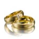 Klassiek geelgouden trouwringen damesmodel 0.025 ct diamant